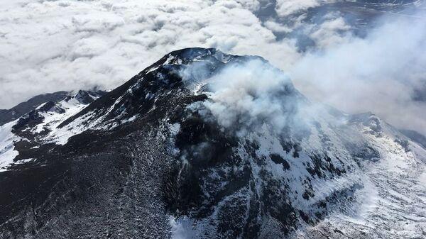 Лавовый купол вулкана Безымянный. 09 июля 2018