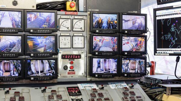 Пункт наблюдения за работами по строительству трубопровода Северный поток - 2 на борту судна Castoro Dieci (C10) в Грайфсвальдском заливе в Германии