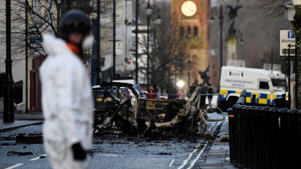 Место взрыва автомобиля в городе Лондондерри в Северной Ирландии