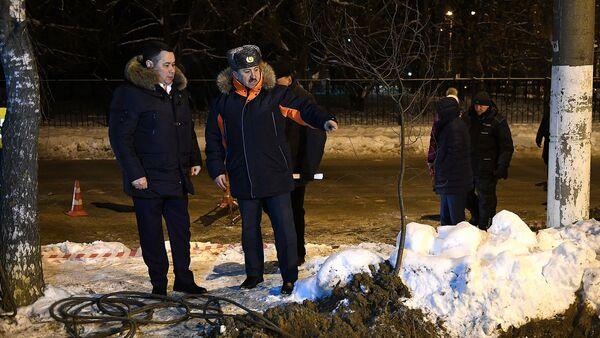 Губернатор Тверской области Игорь Руденя на месте повреждения трубопровода