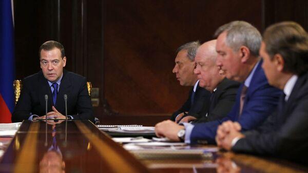 Председатель правительства РФ Дмитрий Медведев проводит совещание по вопросу развития Роскосмоса. 23 января 2019