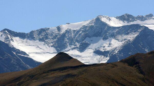 Вершины Большого Кавказского хребта в Чеченской республике