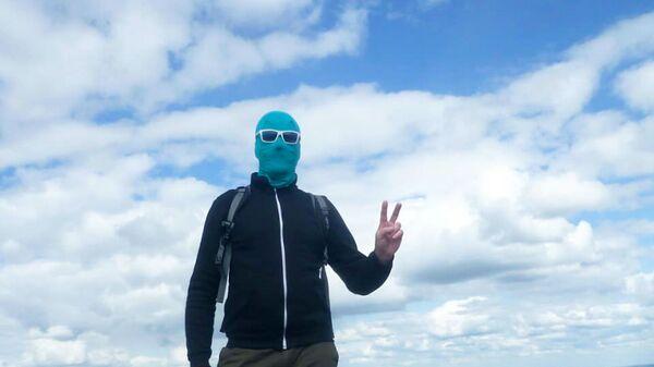 Чистомэн навсегда: борец за чистоту снял маску, но не прекращает уборки