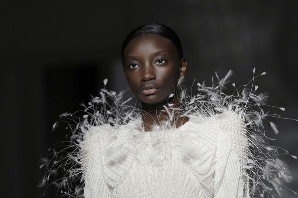 Показ коллекции Givenchy на Неделе моды Haute Couture в Париже