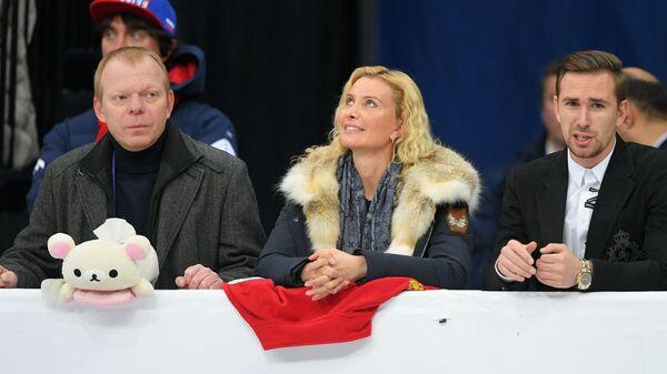 Даниил Глейхенгауз и тренер Этери Тутберидзе (справа налево)