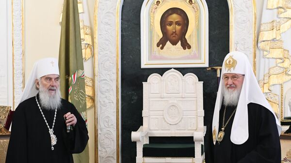 Патриарх Московский и всея Руси Кирилл и патриарх Сербский Ириней во время встречи в Москве