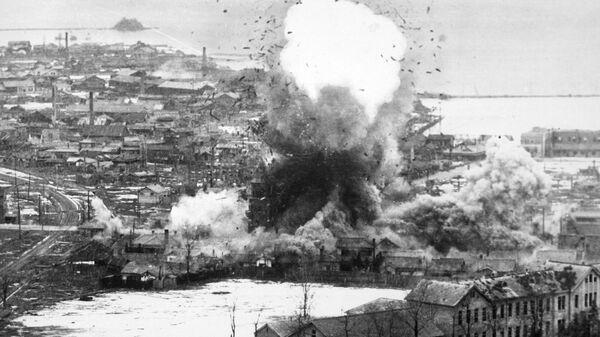 Атака бомбардировщиков B-26 в Вонсане, Северная Корея, 1951 г.
