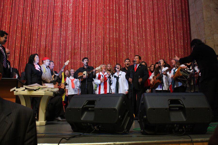 Уго Чавес и Мадуро в РУДН, 2010 год
