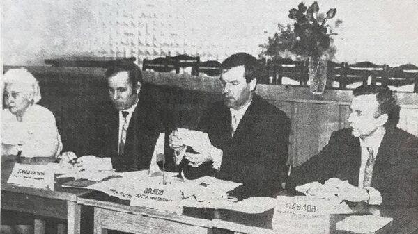 Мэр Копейска Сергей Вялов (второй справа)