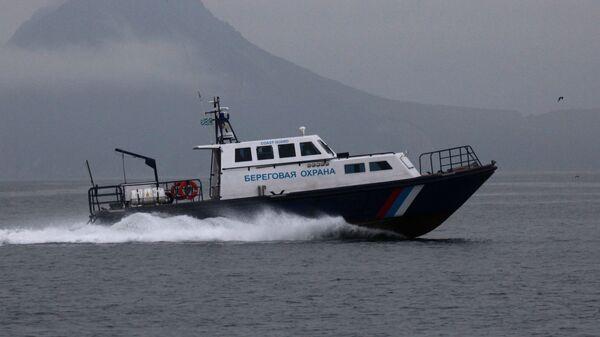 Катер береговой охраны приморских пограничников в Японском море