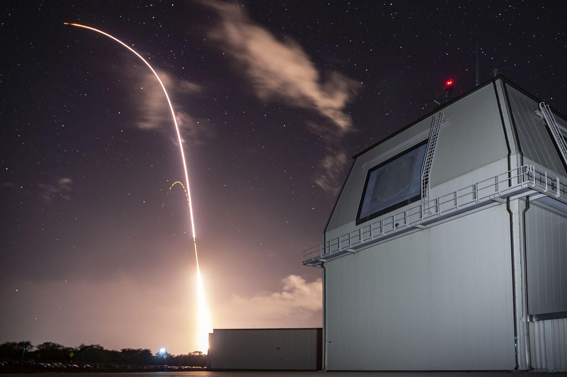 Запуск американской ракеты SM 3 Block IIA с комплекса Иджис Эшор на Гавайях - РИА Новости, 1920, 24.11.2020