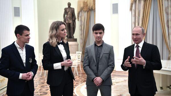 Президент РФ Владимир Путин во время встречи с победителями национальной премии Немалый бизнес - 2019. 6 февраля 2019