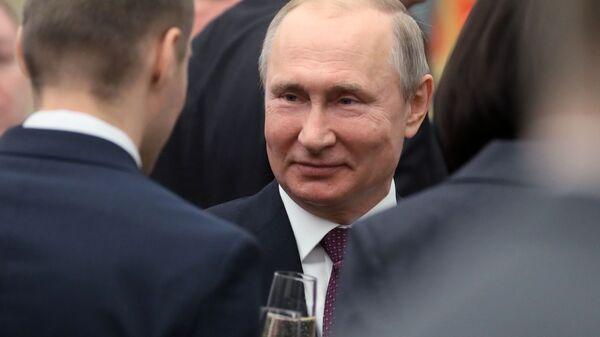 Президент РФ Владимир Путин после церемонии вручения премий президента в области науки и инноваций для молодых учёных за 2018 год