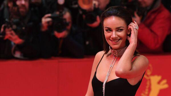 Актриса Янина Узе на красной дорожке церемонии открытия 69-го Берлинского международного кинофестиваля Берлинале - 2019