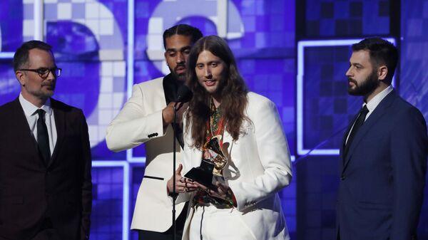 Композитор и продюсер Людвиг Йоранссон получает Грэмми в категории Лучшая песня года, присужденную исполнителю Чайлдишу Гамбино (Childish Gambino) за песню This is America