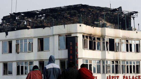 Последствия пожара в гостинице в Нью-Дели, Индия. 12 февраля 2019