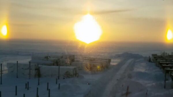 Стоп-кадр видео очевидца оптического явления гало в Ямало-Ненецком автономном округе. 13 февраля 2019