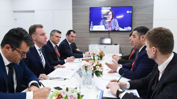 Губернатор Тверской области Игорь Руденя на встрече с председателем ВЭБ РФ Игорем Шуваловым