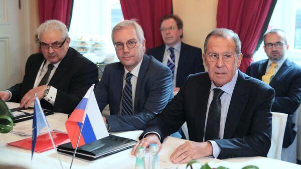Министр иностранных дел РФ Сергей Лавров во время встречи с генеральным секретарем НАТО Йенсом Столтенбергом в рамках Мюнхенской конференции по безопасности