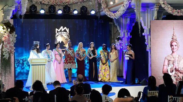 Победительницы конкурса Мисс мира 2018 на пресс-конференции в Бангкоке. 18 февраля 2019