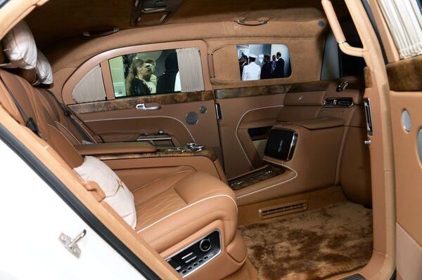 Салон автомобиля Aurus, представленного на международной выставке вооружений IDEX-2019 в Абу-Даби