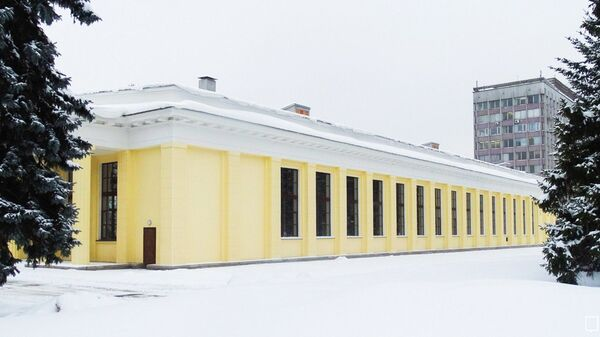 Легкоатлетический манеж МГУ имени Ломоносова в Москве