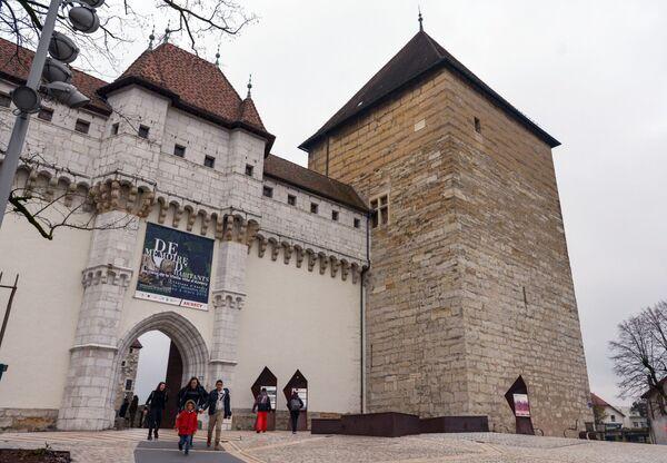 Вход в замок Анси