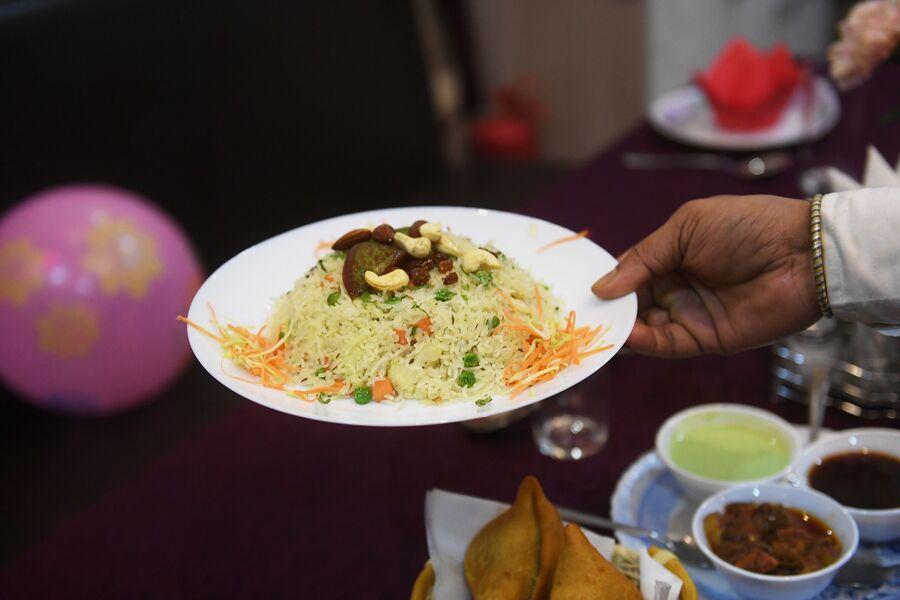 Веджетейбл пулав - рис с овощами, кафе индийской кухни