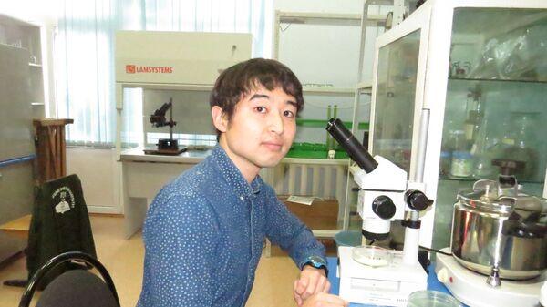 Японец Чжун Датэ в лаборатории университета