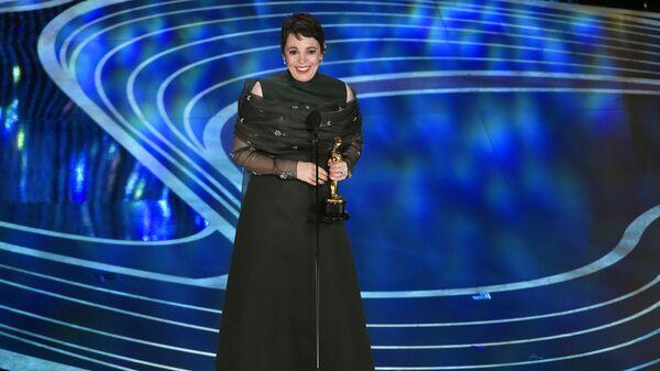 Оливия Кольман, получившая награду в номинации Лучшая женская роль за фильм Фаворитка, на церемонии вручения наград премии Оскар-2019