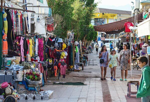 Магазины с одеждой на улице Шарм-эль-Шейха