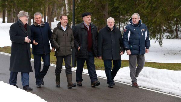 Дмитрий Медведев во время встречи с руководством Государственной Думы РФ и лидерами фракций политических партий. 25 февраля 2019