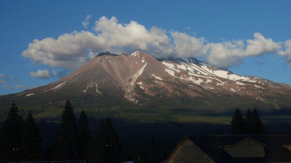 Вулкан Mount Shasta в Калифорнии