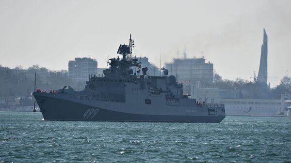 Торжественная встреча фрегата Черноморского флота Адмирал Макаров, прибывшего в Севастополь после выполнения задач в Средиземном море