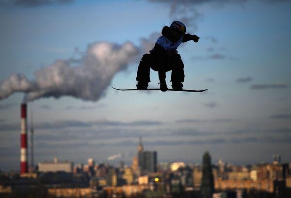 Марк Теймуров (Россия) на этапе мирового тура по сноуборду Grand Prix De Russie 2019 в Москве