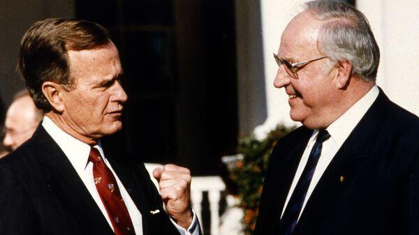 Президент США Джордж Буш и канцлер ФРГ Гельмут Коль в Вашингтоне