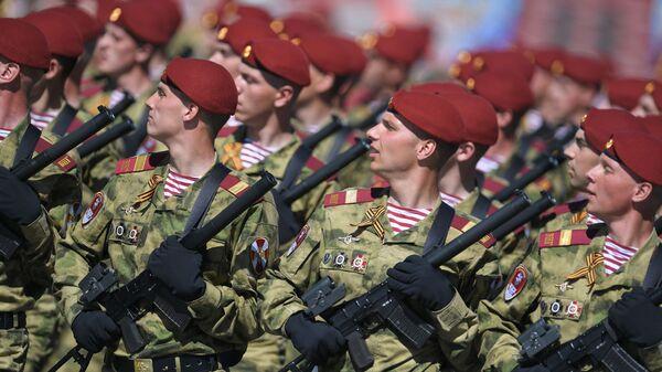 Парадный расчет Войск национальной гвардии Российской Федерации на военном параде, посвященном 73-й годовщине Победы в Великой Отечественной войне 1941-1945 годов