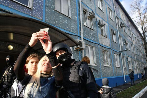 Показательные выступления сотрудников спецподразделения ОМОН Краснодарского края, посвященные 29-ой годовщине образования отряда