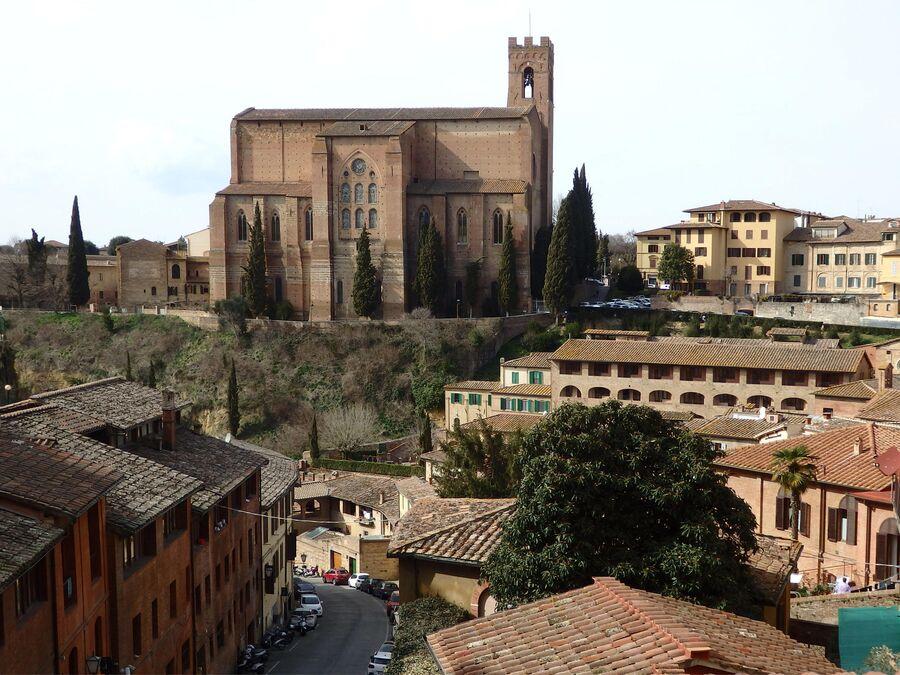 Тоскана. Сиена. Церковь Св. Доменика