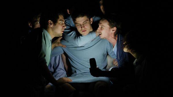 Сцена из спектакля Вальпургиева ночь, или Шаги командора в СТД На Страстном