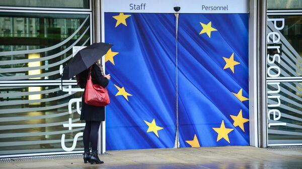 Вход в здание Еврокомиссии в Брюсселе
