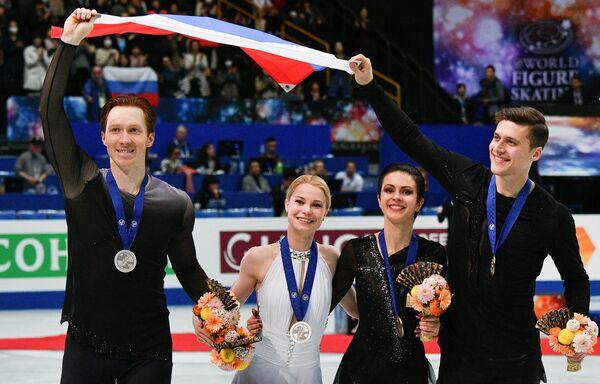 Евгения Тарасова/Владимир Морозов и  Наталья Забияко/Александр Энберт (слева направо)