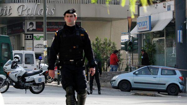 В Афинах в полицейскую будку у российского консульства бросили гранату