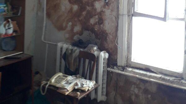 Одна из комнат в бараке, в который Ивановым предложили переехать