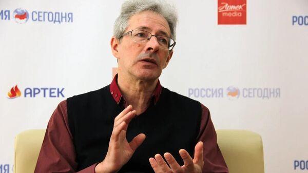 Доктор филологических наук Михаил Дымарский