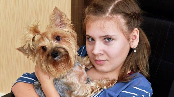Безжалостный диагноз. Настю Мыцыкову спасет операция на позвоночнике