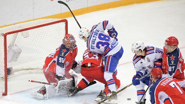 Игровой момент у ворот ЦСКА в матче со СКА
