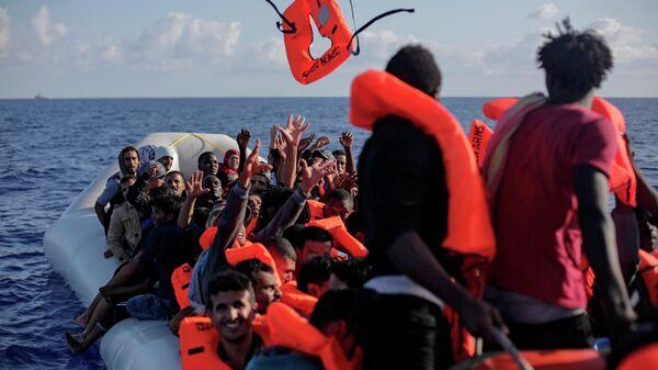 Мигранты в Средиземном море