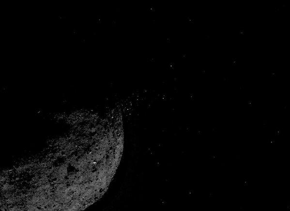Астероид Бенну снятый космическим аппаратом OSIRIS-REx