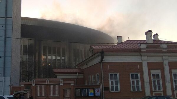 """В Москве загорелся спорткомплекс """"Олимпийский"""""""